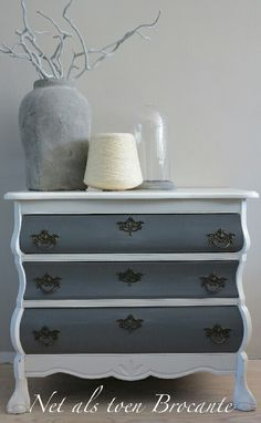 Buikkastje pimpen Pine Furniture, French Furniture, Refurbished Furniture, Dyi, Bedroom End Tables, Dresser As Nightstand, Repurposed, Sweet Home, Living Room