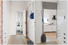 (3) BO HØYT OG FRITT I EKEBERGSKRENTEN: Nydelig 2-roms med 15,6 kvm vestvendt takterrasse med rå utsikt! - Lekre detaljer - Mulighet for P-plass - Lave f.kost - Nærhet til marka og sentrum! | FINN.no Entryway, Real Estate, Furniture, Home Decor, Rome, Homemade Home Decor, Entrance, Main Door, Real Estates