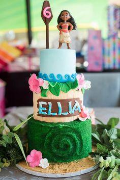 Moana cake by @tressweet