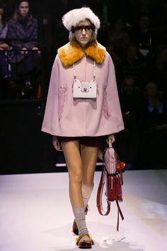 See the complete Anya Hindmarch Fall 2017 Ready-to-Wear collection.