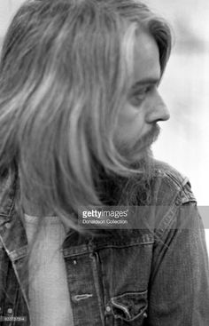 Musician Leon Russell backstage August 15, 1972 at the Berkeley Community Theatre in Berkeley, California.