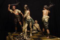 """""""La Flagelación"""". De Francisco Salzillo, se encuentra en el Museo de Salzillo, Murcia, data de 1777 y está realizada en madera policromada. A esta escultura también se lo conoce como """"Los Azotes"""". Se representa el momento en que Jesús es azotados por los tres sayones."""