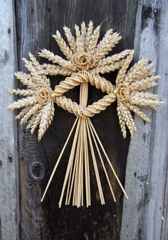 Harvest Home Maiden/corn dolly Straw Weaving, Weaving Art, Basket Weaving, Corn Dolly, Corn Husk Dolls, Straw Art, Straw Crafts, Weaving Designs, Harvest Time