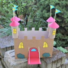 Este castelinho de papelão pode até mesmo decorar a festinha de aniversário de sua criança