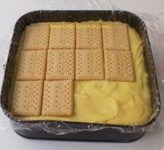 Prajitura cu biscuiti, mere si crema de vanilie - Bunătăți din bucătăria Gicuței