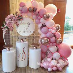 Anniversary Party Decorations, Birthday Balloon Decorations, Girl Baby Shower Decorations, Anniversary Parties, Birthday Balloons, Gold Birthday Party, Girl First Birthday, 25th Birthday, Shower Party