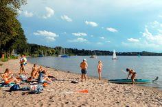 Fast wie am Meer: ein Strand am Großen Plöner See