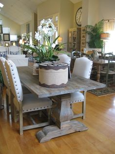 Adorable 80 Farmhouse Dining Room Table Design Ideas Source by Farmhouse Dining Room Table, Dining Room Table Decor, Dining Room Design, Room Decor, Rustic Farmhouse, Farmhouse Ideas, Rustic Dining Set, Room Chairs, Chunky Dining Table