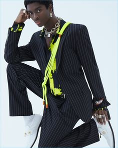 Alton Mason takes his dance moves to the studio for a new story. Photographed by Daniel Clavero, Alton appears in a spring 2019 editorial for WWD. Fashion Editor, Fashion News, Fashion Models, Mens Fashion, Street Fashion, Conceptual Fashion, The Fashionisto, Handsome Black Men, Androgynous Fashion