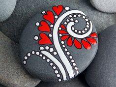 El amor es suave potente / roca pintado / por LoveFromCapeCod
