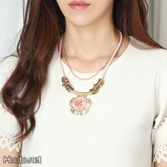 Pink Gold Flower Necklace $18 + worldwide shipping #summer #spring #accessory #fashion #statement #jewelry