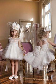 Amazing French lace dress, embroidered all over by hand with pearls. The back side ends in an open back decorated with pearls and lace. On the back side the skirt is decorated with an impressive bow and handmade butterfly made of original wings. Inside is lined with 100% cotton cloth. #luxurydress #communiondress #kidsfashion #designerscat Baptism Outfit, First Communion Dresses, Pearl And Lace, Luxury Dress, French Lace, Shoe Collection, Princesses, Lace Dress, Wings