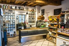 Tipps für die Steiermark I 1000things - wir inspirieren Liquor Cabinet, Storage, Table, Furniture, Home Decor, Travel Trailers, Things To Do, Searching, Vacation