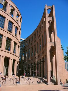 Vancouver Public Library, Vancouver, British Columbia, 1995 / Moshe Safdie and DA Architects Library Architecture, Amazing Architecture, Vancouver Architecture, Brick Architecture, Historic Architecture, Public Library Design, Public Libraries, Great Places, Places To See