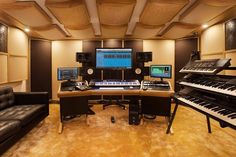 Polish producer Przemek Puk of Puk Music installed a Zaor ONDA angled oak at the heart of his recording studio and the result looks fantastic! #zaor #onda #oak #desk #studiodesk #studiofurniture #studiomöbel #studiodesign #recordingstudio #producer #pukmusic #studioporn #producer
