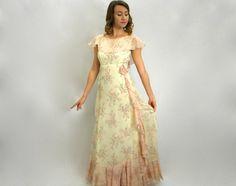 Spring SALE Vintage 70s Floral Maxi Dress by GlennasVintageShop