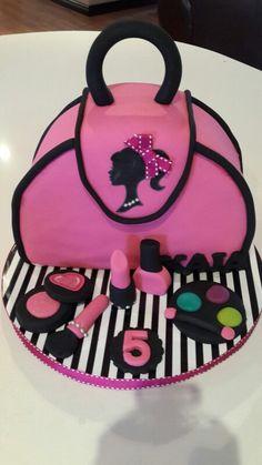 Barbie makeup bag cake 💗