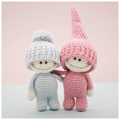 Have you heard of faraway Doodah land where everyone hopes to bring a smile to your face?  Meet Wilbur and Bertie...two such Little Doodahs!  Their patterns are now available in our Etsy shop.. #amigurumi #crochet #crochetdoll #etsy #etsyAU #bubblesandbongo #lagoriginal #littleaquagirl #amigurumipattern #littledoodahs