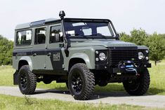 Keswick Green Defender 110 TD4 S Station Wagon md4 Expedition