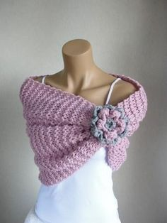 Can you only do basic knitting or crochet? This is a simple rectangle with flower embellishment with gathered edge. Poncho Au Crochet, Love Crochet, Crochet Scarves, Crochet Clothes, Crochet Flowers, Knit Crochet, Knit Shrug, Easy Crochet, Loom Knitting