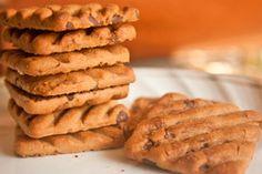 ***¿Cómo Reutilizar las Galletas Duras?*** Si tienes muchas galletas secas o duras que ya no se pueden comer, toma nota de estas ideas simples para aprovecharlas en nuevas recetas...SIGUE LEYENDO EN... http://comohacerpara.com/reutilizar-las-galletas-duras_10706c.html