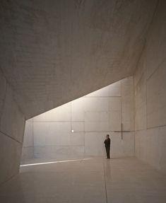 Chapel in Villeaceron, Spain. Architect: Sancho-Madridejos Architecture Office. Image © Hisao Suzuki