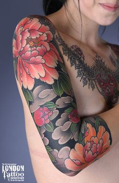 Right arm sleeve You are in the right place about Black And Gray Tattoos realistic Here we offer you the Japanese Tattoo Women, Japanese Flower Tattoo, Japanese Tattoo Designs, Japanese Sleeve Tattoos, Arm Sleeve Tattoos For Women, Full Sleeve Tattoos, Irezumi Tattoos, 4 Tattoo, Body Art Tattoos