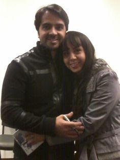Monica Lopez junto a Luis Fonsi