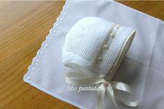 Beautiful baby bonnet. ~~ Mis puntadas entre bordados y costuras by Chelo Vicente