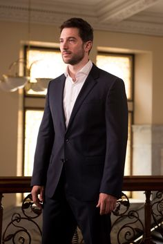 Holby City, Luke Roberts, Mens Suits, Actors & Actresses, Suit Jacket, Celebrities, Style, Fashion, Human Nature