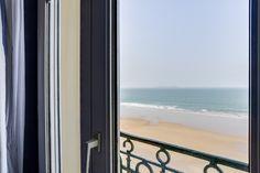 Porte fenêtre - chambre vue sur mer -Hôtel Kyriad Saint Malo Plage