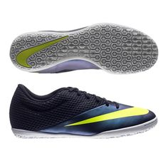 The Nike5 Elastico II indoor soccer shoes provides the touch ...