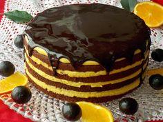 Mocno kakaowe ciastoupieczone wyłącznie na białkach jest wilgotne i tak delikatne jak biszkopt. To jeden z najlepszych sposobów na wykorzystanie zalegających białek, które najczęściej mrożę. Ciast…