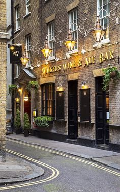 Walkers Wine and Ale Bar ~ London England 런던 잉글랜드 Лондон Англия British Pub, British Isles, British Store, England And Scotland, England Uk, Oxford England, Cornwall England, Yorkshire England, Yorkshire Dales