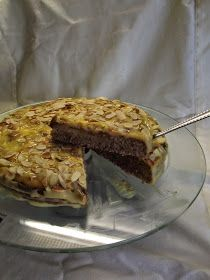 Nem járunk túl sűrűn az IKEA-ba de ha ott vagyunk tuti, hogy egy ilyen szeletke tortát a   magunkévá teszünk .  Rá kerestem a neten ...
