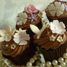 Pretty Vintage Cupcakes!