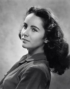 14-year old Elizabeth Taylor, 1946, photo by Yousuf Karsh
