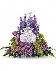 Unique idea for displaying your loved one's cremation urn | Meadows of Memories Sympathy Arrangement