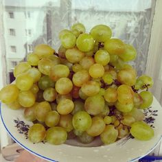 #whitegrapes Fruit, Sweet, Photos, Food, Candy, Pictures, Essen, Meals, Yemek