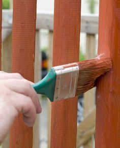 Holz im Garten schützen und pflegen