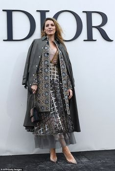 Blake Lively wore two Dior jackets (one oversized military coat and one embellished jacket) to the Christian Dior spring/summer 2019 show. Fashion 101, Look Fashion, Runway Fashion, Womens Fashion, Fashion Design, Fashion Trends, Fashion Coat, Ladies Fashion, Fashion Styles