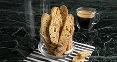 Almond biscotti by the Greek chef Akis Petretzikis. An easy recipe for the most delicious Italian biscotti with almonds! Crunchy and twice-baked! Greek Recipes, Raw Food Recipes, Almond Biscotti Recipe, Peach Cookies, Greek Sweets, Nutrition Chart, Processed Sugar, Good Fats, Baking Pans