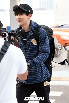 Chanyeol | 150625 Incheon Airport departing for Brunei for 'Law of the Jungle'