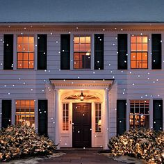 Decorate Your Entire House With These Christmas Light Snowflake Effect