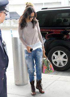 Zoe Saldana's Boyfriend Jeans and Combat Boots