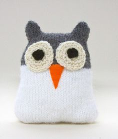Snow Owl in Lion Brand Wool-Ease - Discover more Patterns by Lion Brand at LoveKnitting. The world& largest range of knitting supplies - we stock patterns, yarn, needles and books from all of your favourite brands. Owl Knitting Pattern, Knitting Patterns Free, Knitting Yarn, Free Knitting, Baby Knitting, Free Crochet, Crochet Patterns, Free Pattern, Knit Crochet