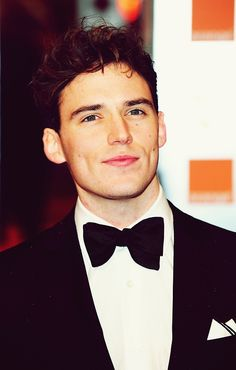 Sam Claflin. Pirates of the caribbean. Catching fire.