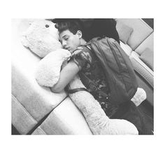 Cameron Dallas I wish I were that teddy bear, one can only dream. ❤
