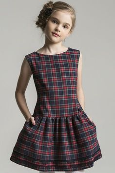 "Diy Crafts - Drop waist Blake Dress pattern ""Add side seams to a Laure and done!"", ""Picture saved as a sewing inspiration. I like the loose, Frocks For Girls, Kids Frocks, Toddler Dress, Baby Dress, Toddler Girl, Little Girl Fashion, Kids Fashion, Little Girl Dresses, Girls Dresses"