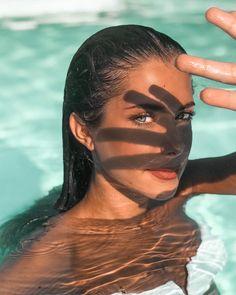 How to Take Good Beach Photos Summer Photography, Portrait Photography, Digital Photography, Photography School, Product Photography, Fashion Photography, Shadow Photography, Poses Photo, Photo Portrait